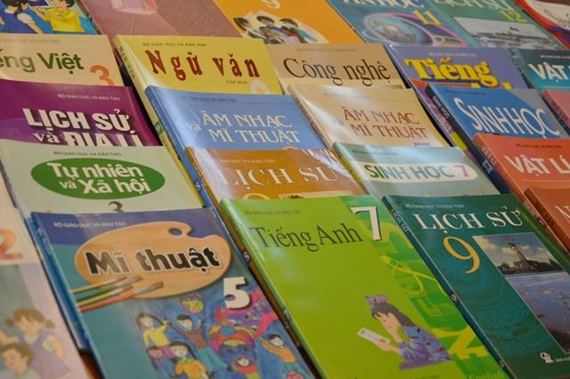 Chọn sách giáo khoa: Minh bạch đến đâu?