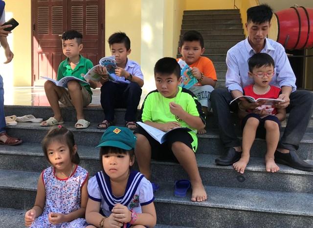 Người thầy dạy chữ ở đảo Song Tử Tây