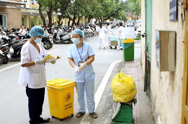 Siết quản lý chất thải nhựa y tế