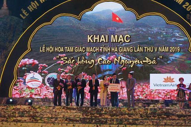 'Sắc hồng cao nguyên đá'- Tôn vinh giá trị văn hóa Hà Giang - 4