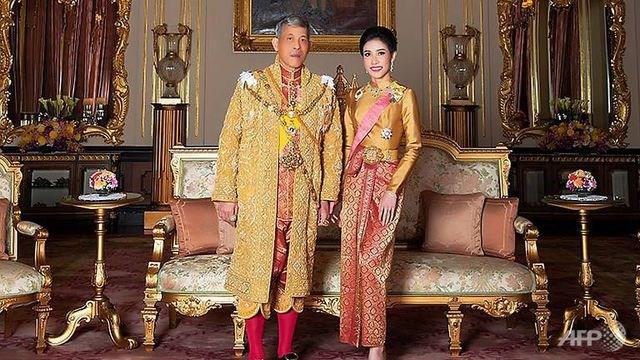 Thái Lan công bố loạt ảnh 'gây sốt' về Hoàng Quý phi - 3