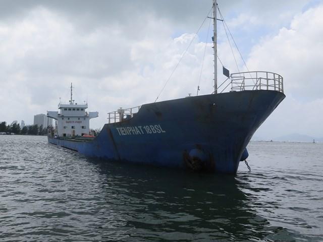 Quảng Nam: Tìm chủ sở hữu 3.000 tấn quặng Titan trên một tàu biển