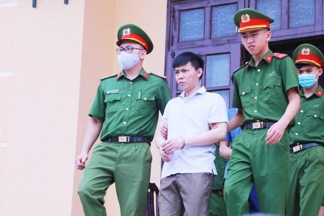 Vụ gian lận điểm thi ở Hòa Bình: 15 bị cáo đối diện với mức án nào? - 2
