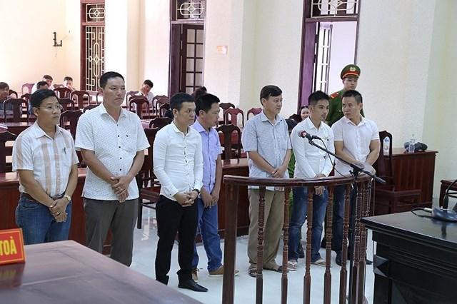Bí thư phường đánh bạc bị cách hết chức vụ trong Đảng