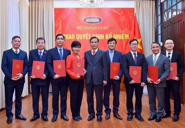 Bộ Ngoại giao bổ nhiệm 8 nhân sự cấp Vụ