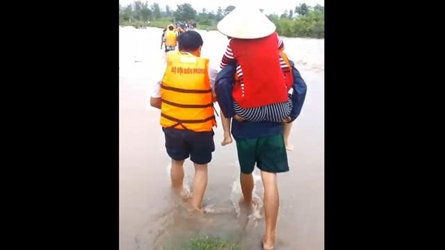 Đắk Lắk: Mưa lớn kéo dài nhiều địa phương bị chia cắt - 2
