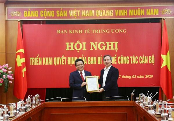 Thư Ky Ong Nguyễn Văn Binh Lam Pho Trưởng Ban Kinh Tế Trung ương