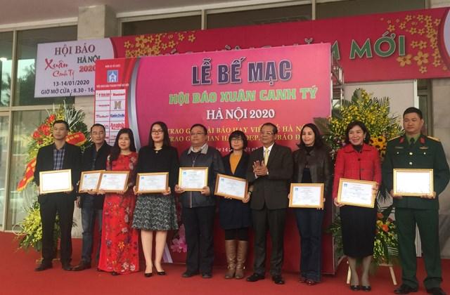 Báo Đại Đoàn Kết giành giải B gian trưng bày Hội báo Xuân Hà Nội - 1