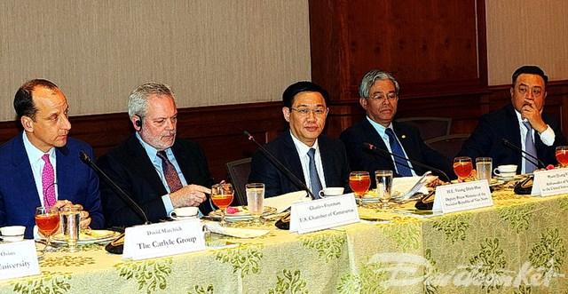 Phó Thủ tướng Vương Đình Huệ dự lễ ký mua 20 máy bay Boeing - 2
