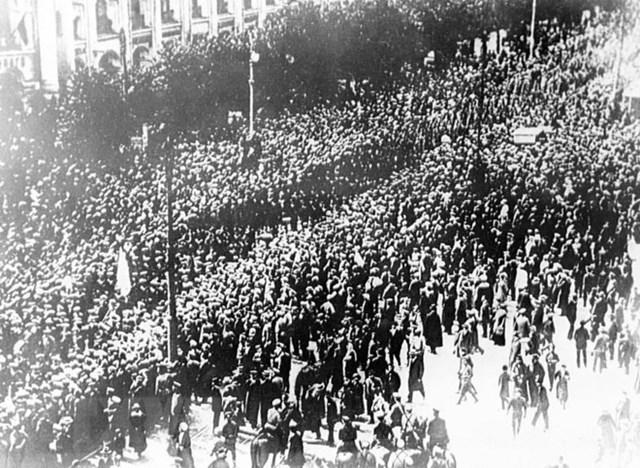 [ẢNH] Cách mạng Tháng Mười Nga - mốc mới trong lịch sử của nhân loại - 12