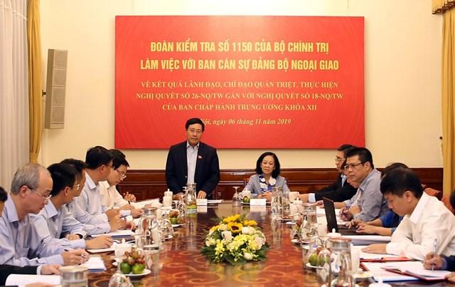 Đoàn kiểm tra của Bộ Chính trị làm việc với Bộ Ngoại giao - 1