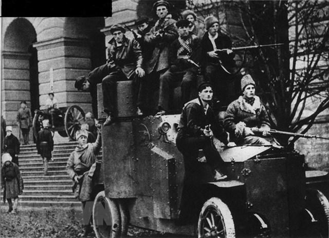 [ẢNH] Cách mạng Tháng Mười Nga - mốc mới trong lịch sử của nhân loại - 15