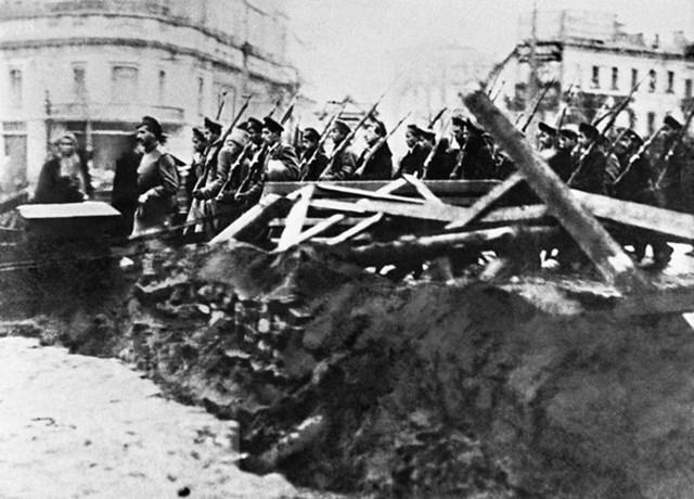 [ẢNH] Cách mạng Tháng Mười Nga - mốc mới trong lịch sử của nhân loại - 21