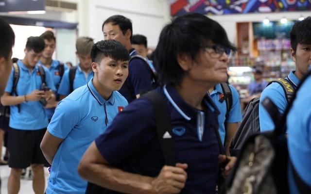U23 Việt Nam chạm trán U23 Triều Tiên ở sân bay về Bangkok - 12