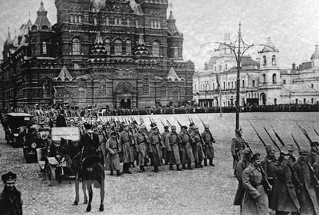 [ẢNH] Cách mạng Tháng Mười Nga - mốc mới trong lịch sử của nhân loại - 29