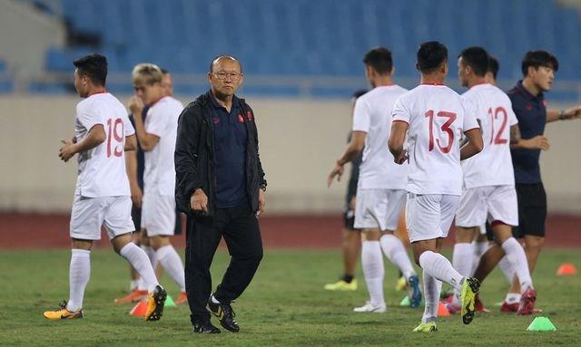 Chờ đấu UAE ở Mỹ Đình, đội tuyển Việt Nam đón tin vui không ngờ - 3
