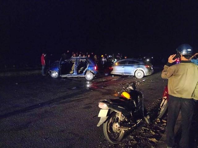 Quảng Nam: Ô tô gây tai nạn liên hoàn, khiến 6 người thương vong