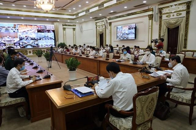 TP HCM sẽ hỗ trợ người lao động 1 triệu/tháng - 1