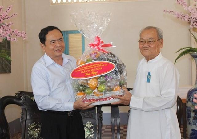 BẢN TIN MẶT TRẬN: Chủ tịch Trần Thanh Mẫn gửi thư chúc mừng Đại lễ kỷ niệm Khai đạo Cao Đài năm 2019