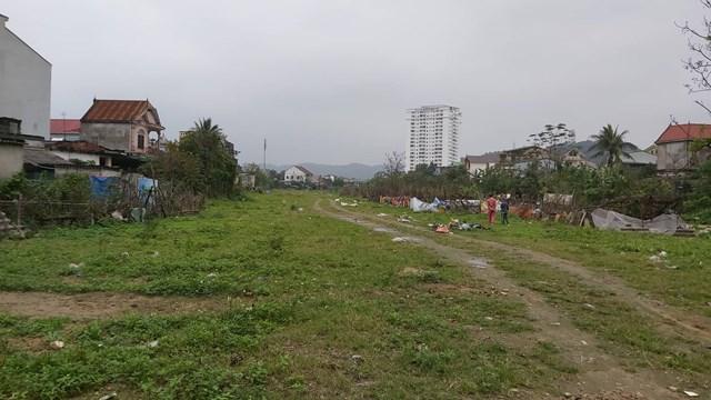 Vụ làm đường bằng rác ở Nghệ An: Công ty Vinhland không khắc phục