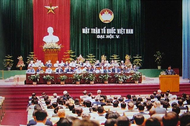 Chào mừng Đại hội đại biểu toàn quốc MTTQ Việt Nam lần thứ IX, nhiệm kỳ 2019-2024 - Bài 5: Đại hội V: Đại hội phát huy tinh thần yêu nước