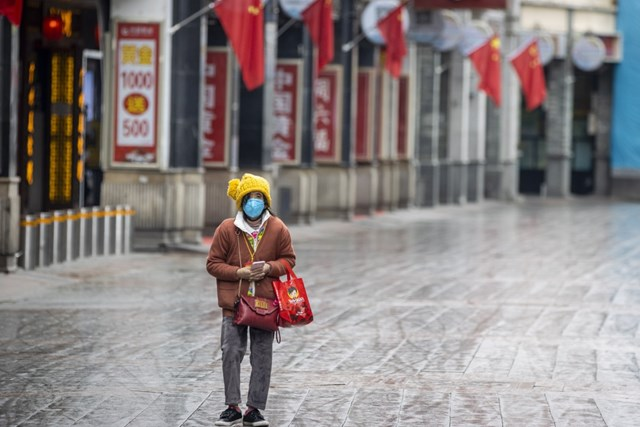 Trung Quốc chật vật khởi động nền kinh tế trong bối cảnh dịch bệnh