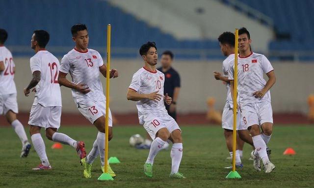 Chờ đấu UAE ở Mỹ Đình, đội tuyển Việt Nam đón tin vui không ngờ - 7