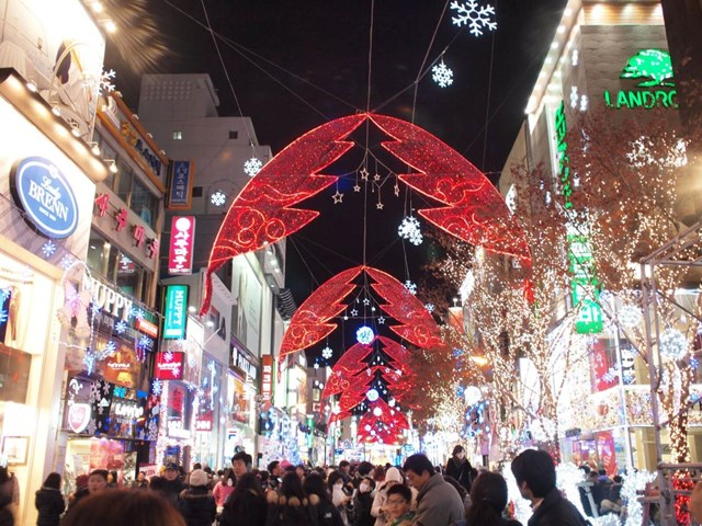 [ẢNH] Chiêm ngưỡng thủ đô các nước lộng lẫy đón Giáng sinh - 17