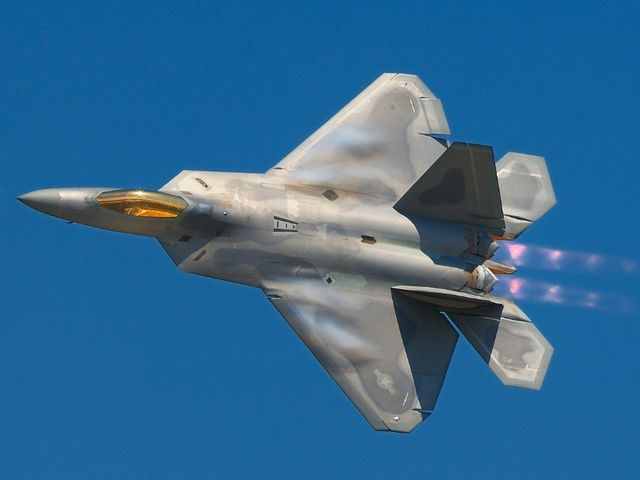[ẢNH] 10 máy bay quân sự đắt giá nhất thế giới - 2