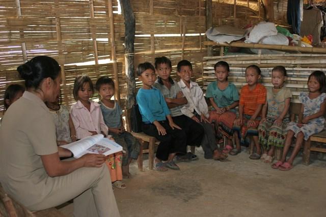 Triển khai chương trình và sách giáo khoa mới: Ngổn ngang cái khó