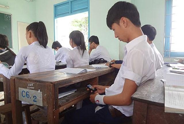 Hà Nội xây dựng quy tắc dùng mạng xã hội, điện thoại cho học sinh