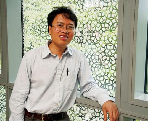 Giáo sư Đàm Thanh Sơn nhận giải thưởng của JINR