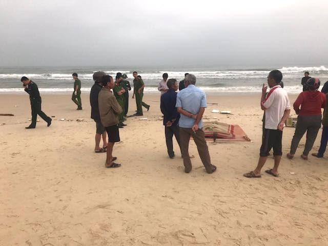 Quảng Trị: Phát hiện một thi thể trôi dạt vào bờ biển