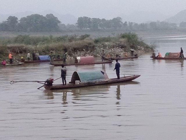 Chìm thuyền đánh cá, cặp vợ chồng đuối nước thương tâm