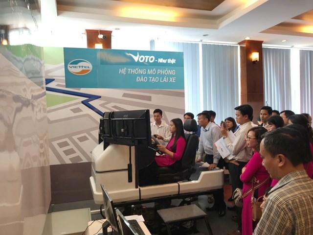 Lần đầu tiên Việt Nam có hệ thống mô phỏng đào tạo lái xe ô tô chuẩn quốc tế do Viettel sản xuất - 1