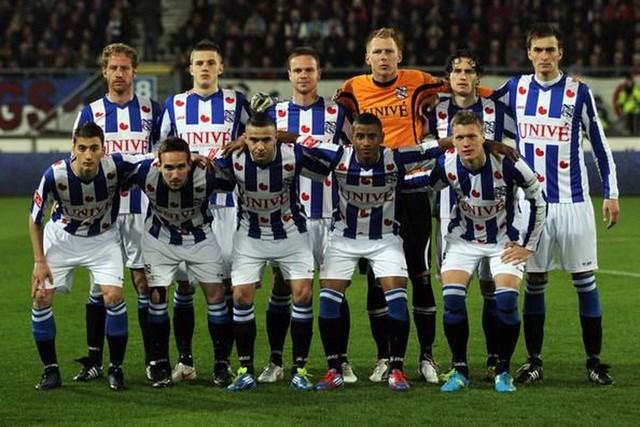 Báo Hà Lan: 'Văn Hậu sẽ phải chia tay Heerenveen' - 1