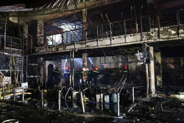 Đắk Lắk: Hỏa hoạn trong đêm, một nhà hàng bị thiêu rụi - 1