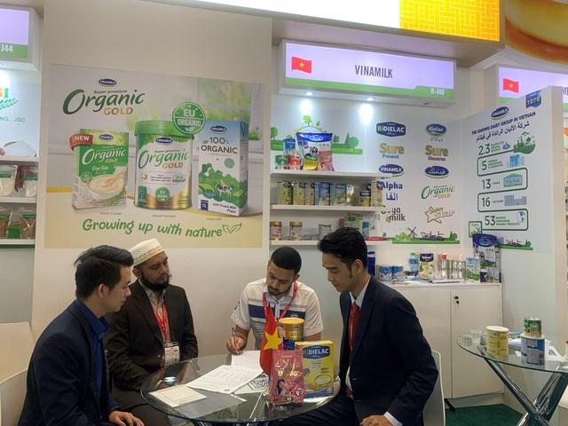 Vinamilk ký kết hợp đồng xuất khẩu sữa trị giá hàng chục triệu USD - 1