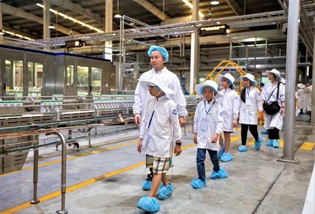 Vinamilk chính thức được chọn là nhà cung cấp sữa học đường tại Vĩnh Long - 3