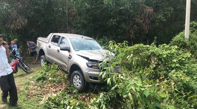 Hà Tĩnh: Xe máy va chạm với bán tải, hai vợ chồng tử vong tại chỗ