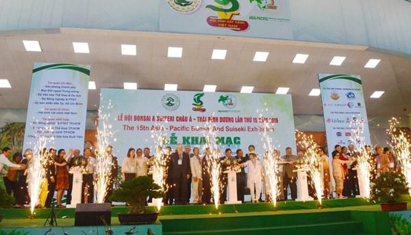 Khai mạc lễ hội Bonsai và Suiseki Châu Á - Thái Bình Dương tại Việt Nam