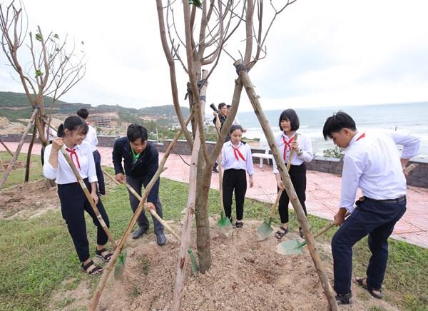 Vinamilk chung tay bảo vệ môi trường tại Bình Định thông qua Quỹ 1 triệu cây xanh cho Việt Nam - 6