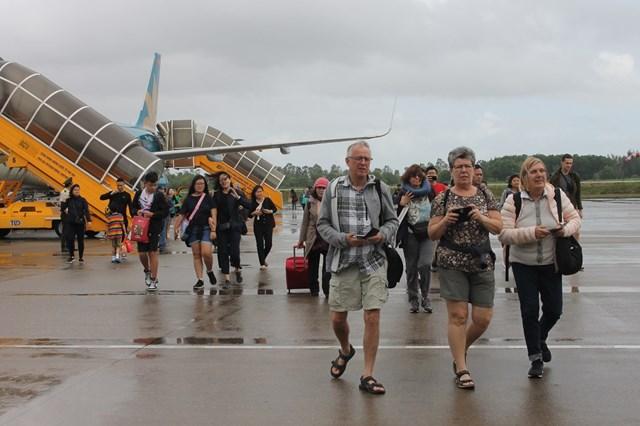 Du lịch Thừa Thiên - Huế: Chào đón những du khách đầu tiên