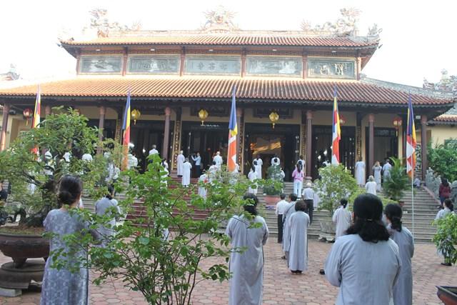 Phật giáo Thừa Thiên - Huế cử hành Đại lễ Phật đản Pl.2564