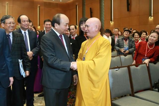 [ẢNH] Thủ tướng gặp mặt kiều bào tham dự chương trình Xuân quê hương 2020
