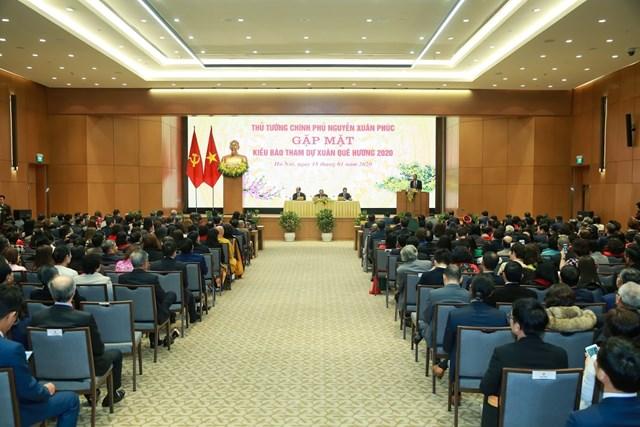 [ẢNH] Thủ tướng gặp mặt kiều bào tham dự chương trình Xuân quê hương 2020 - 8