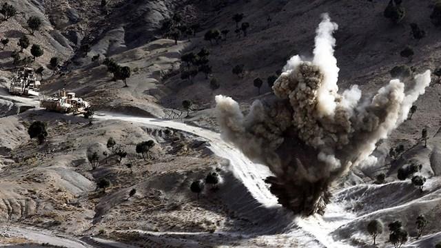 Mỹ không kích Taliban sau khi ký thỏa thuận hòa bình