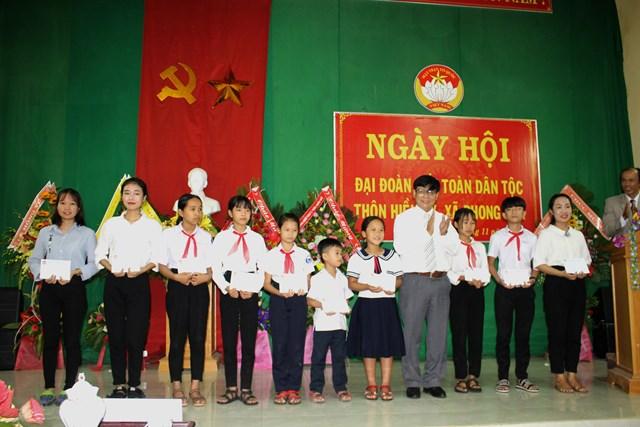 Nhiều khu dân cư ở Thừa Thiên-Huế tổ chức ngày hội Đại đoàn kết - 1