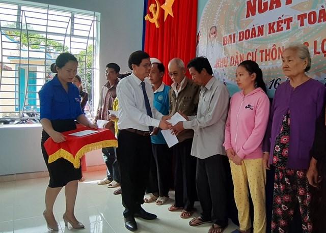 Phó Bí thư Thường trực Tỉnh ủy Khánh Hòa dự Ngày hội Đại đoàn kết thôn LạcLợi