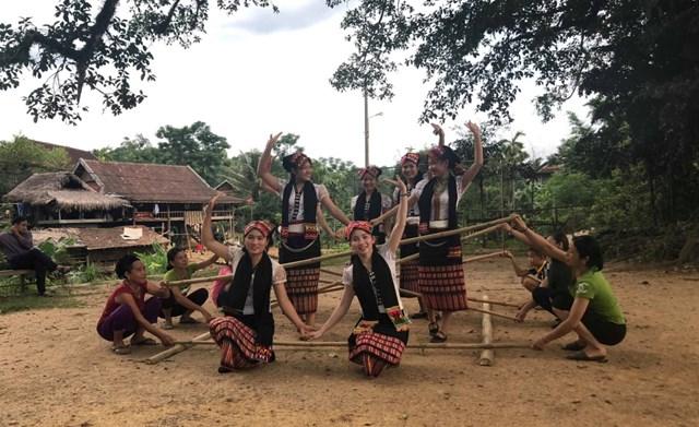 Bảo tồn văn hóa trong phát triển du lịch miền núi - 1